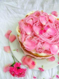 Madderneine Cake - White Cake, Whipped Cream, Roses & Fairy Floss!