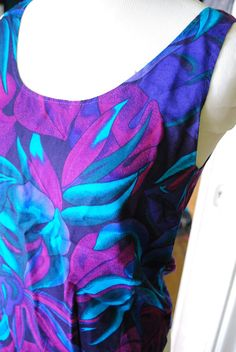 SALEsteppin into liquid size small by CerealVintageThrift on Etsy, $6.00