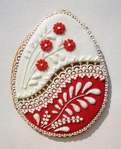 Photo of Hungarian decorated Easter Egg Cookie. The craftsmanship is simply AMAZING (frosting for cookies decorating) Fancy Cookies, Valentine Cookies, Iced Cookies, Easter Cookies, Royal Icing Cookies, Holiday Cookies, Sugar Cookies, Easter Biscuits, Iced Biscuits