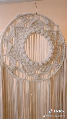 Hippy Room, Hippie Room Decor, Boho Decor, Macrame Mirror, Macrame Plant Hangers, Knitting Yarn Diy, Marble Iphone Wallpaper, Free Macrame Patterns, Dream Catcher Boho