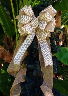 Burlap-chevron Bow by TazCreations on Etsy Burlap Christmas, Cozy Christmas, Primitive Christmas, Family Christmas, Christmas Time, Christmas Crafts, Christmas Stuff, Unique Tree Toppers, Xmas Tree Toppers
