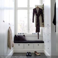 Inspirational Begehbarer Kleiderschrank mit Sitzbank roomido