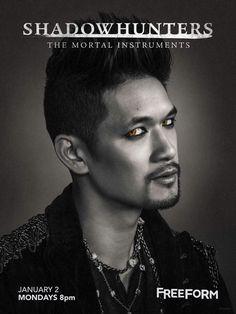 Presenting the magnificent Magnus Bane. ✨