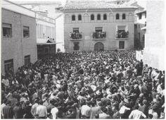 Rompida de la hora en 1971 (último año en la plaza de la Hoya). Foto de Conchita Navarro