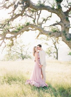 Engagement pictures long maxi dress beautiful tree couple photography wedding #engagementpictures