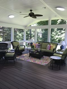 Enjoy your outdoor living space with screened in porch ideas✅ sun room ideas ✅ how to build porch ✅ screened in porch design ideas ✅ porch with deck ✅ 3 Season Room, Three Season Room, 3 Season Porch, Small Porches, Decks And Porches, Outdoor Rooms, Outdoor Living, Porch Kits, Porch Ideas