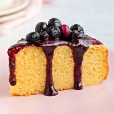 Blueberry Topping, Blueberry Sauce, Almond Recipes, Cream Recipes, French Dessert Recipes, Cheesecake Toppings, Pastry Recipes, Cake Recipes