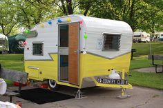 ❥ 61 Shasta Compact.  Retro.  How cute...maybe I will start collecting pics of these tiny campers on my tiny houses board.  These are adorable.