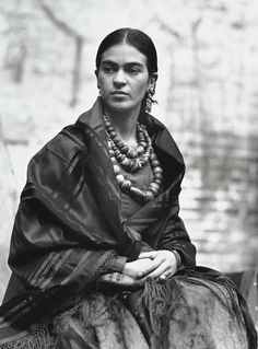 Frida Kahlo, Photo: Edward Weston.
