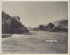 [Congress Avenue]. The Portal to Texas History. http://texashistory.unt.edu/ark:/67531/metapth125125/. A