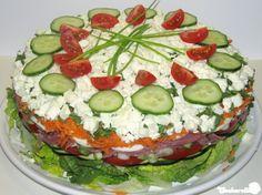 Salattorte mit Schafskaese