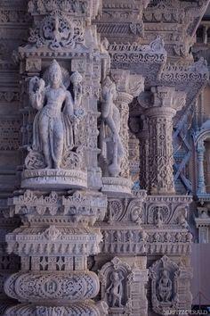 Indian Temple Architecture, Indian Architecture, Ancient Architecture, Beautiful Architecture, Beautiful Buildings, Human Sculpture, Buddha Sculpture, Sculptures, Lion Sculpture
