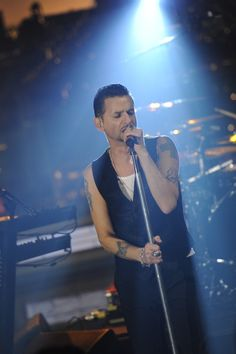 Live on Letterman Photos: Depeche Mode Performs on CBS.com