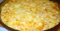 Нежнейшая запеканка из кабачка, фарша и риса под сырной шапочкой получается сочная, сытная, не отяжеляющая желудок и кошелек.
