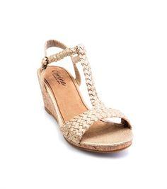 Sandalias mujer con cuña corcho doradas  22,99