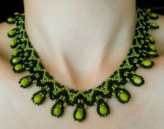 Free pattern for beaded necklace Daniela   U need: seed beads 11/0 faceted beads 6 – 8 mm