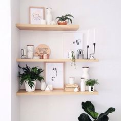 9 Marvelous Ideas: Floating Shelf With Pictures Storage floating shelves bedroom creative.Floating Shelves Under Tv Basements small floating shelf kitchens.Floating Shelves Around Tv. Bathroom Wall Decor, Diy Wall Decor, Diy Home Decor, Wall Shelf Decor, Decorating Wall Shelves, Corner Wall Decor, Plant Wall Decor, Display Wall, Tv Decor