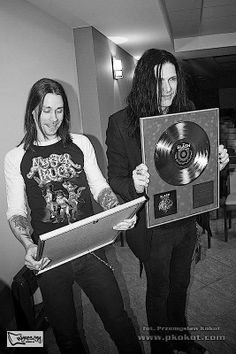 Myles Kennedy and Todd kerns