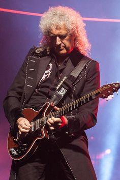 Brian Queen Guitarist, Best Guitarist, Queen Rock Band, Queen Brian May, Rock And Roll Fantasy, We Are The Champions, Queen Love, We Will Rock You, Best Boyfriend