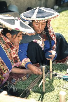 """From """"Teaching about Inca Children & Families: Libby VanBuskirk. Inca people today still make great weavings as did their ancestors. Children start learning to weave at six years old. They first become fine spinners, making yarn on drop spindles. Here a mother and daughter from Pitumarka, Peru work together as the daughter learns with no help from written instructions. Photo by David VanBuskirk."""