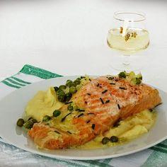 Lazac tejszínes-zöldborsós szószban Recept képpel - Mindmegette.hu - Receptek I Want To Eat, Quiche, Risotto, Main Dishes, Grilling, Healthy Recipes, Healthy Food, Food And Drink, Fish