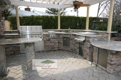 """outdoor barbecue kitchen islands 