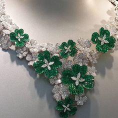 Van Cleef & Arpels emerald and diamond flower necklace More
