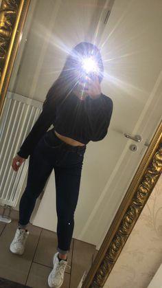 (notitle) - leonie schieferdecker - Make-Up Applis Photo, Fake Photo, Instagram Life, Instagram Girls, Tumblr Photography, Girl Photography Poses, Girl Photo Poses, Girl Photos, Couple Goals Teenagers Pictures