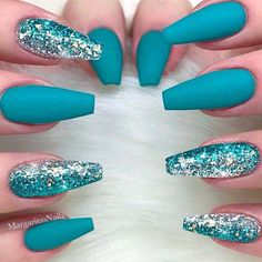 If you love nature, you will not miss the teal nail designs. Teal nails are inspired by the color of the grass and the water of nature. The nail art looks beautiful and natural. It gives girls a peace Teal Nail Designs, Cute Acrylic Nail Designs, Best Acrylic Nails, Summer Acrylic Nails, Nails Design, Spring Nails, Summer Nails, Sparkle Nail Designs, Salon Design