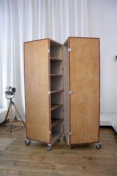 ideas portable closet ideas diy wheels for 2019 Nomadic Furniture, Diy Pallet Furniture, Home Furniture, Furniture Design, Built In Storage, Tall Cabinet Storage, Locker Storage, Craft Storage, Storage Ideas