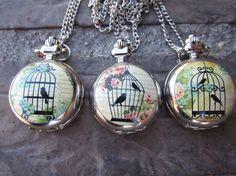 Relojes con diseño de jaula y pájaros / Pagustosloscolores - Artesanio
