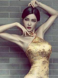 Wendy Lee -Super Auto Model, actress.