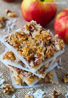 Apple Harvest Squares via A Family Feast - A delicious cookie crust, sweet baked apples and a wonderful walnut and coconut topping! Apple Desserts, Apple Recipes, Fun Desserts, Fall Recipes, Sweet Recipes, Delicious Desserts, Dessert Recipes, Yummy Food, Health Desserts