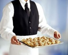 Cómo calcular el costo y las cantidades de alimento para un servicio de catering | eHow en Español