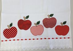 Pano de prato patchaplique #maçãvermelha Dish Towels, Tea Towels, Pot Holders, Napkins, Patches, Quilting, Apple, Baltimore, Applique Templates