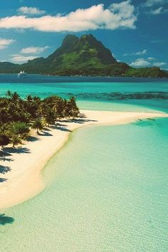 I can't even imagine how amazing it would be to live here, sun kissed, without a care in the world