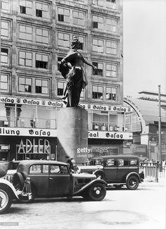 Berolina von Emil Hundrieser, Berlin - Alexanderplatz- um 1935