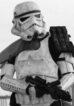 Stormtrooper from Star Wars Series Batman Christian Bale, Star Wars Tattoo, Batman Begins, Star Wars Characters, Star Wars Episodes, Star Wars Clone Wars, Star Wars Art, Star Trek, Stargate