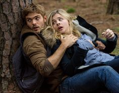 Chloe Grace Moretz and Alex Roe star in The 5th Wave