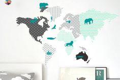 Naklejka pastelowa mapa świata ze zwierzętami - moreclock - Naklejki na ścianę dla dzieci