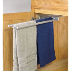 Hafele's extendable towel racks can be undermounted or side-mounted. The towel racks are made of aluminum anodized or epoxy-coated steel and come in Chrome Polished, White or Silver Anodized finishes.