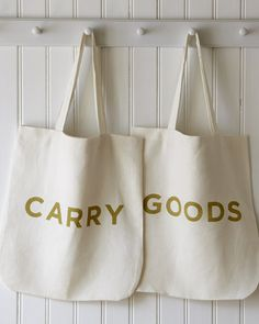 CARRY GOODS ON OYSTER LINEN