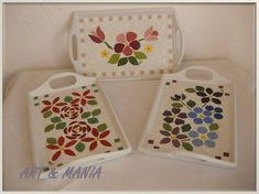Mosaic Projects, Diy Craft Projects, Diy And Crafts, Mosaic Tray, Mosaic Glass, Stained Glass, Mosaic Flowers, Mosaic Patterns, Coasters