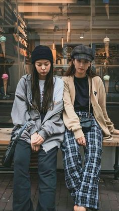 Find BlackPink Clothes, KPOP Sweaters & KPOP Cardigans for an affordable price Kpop Fashion Outfits, Blackpink Fashion, Hipster Outfits, Korean Outfits, Asian Fashion, Cute Outfits, Fashion Looks, Korean Airport Fashion, Winter Fashion Outfits