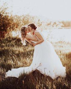wedding beauty couple Creative Lesbian Wedding Ideas - Mrs and Mrs Wedding Ideas Lesbian Wedding Photos, Lesbian Wedding Photography, Wedding Picture Poses, Cute Lesbian Couples, Lgbt Wedding, Lesbian Love, Wedding Poses, Wedding Pictures, Wedding Events