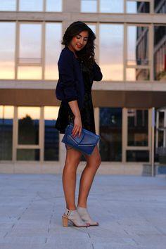 topshop velvet playsuit @ samieze.com Sommerlicher Look mit einem Samt Jumpsuit. Für mehr Details schaut doch einfach mal auf meinem Blog vorbei :)