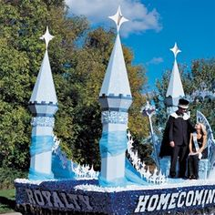 Short Turrets Parade Float Kit - Turn your Royalty Parade Float into an enchanted castle with these Turrets on display.