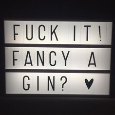 #Friday #gin #lightbox #yes @grimmer123 @joannerthomson