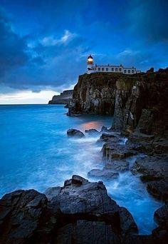 ShowMe Nan: Neist Point Lighthouse - Isle of Skye, Scotland