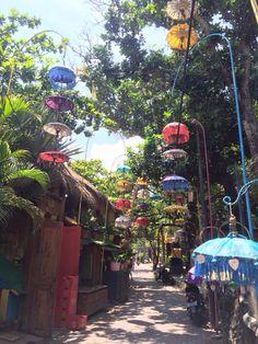 Pretty backstreets | Seminyak | Bali Www.rudisbalitours.com